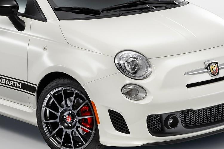 Abarth 595 C Cabrio 1.4 T-Jet 180PS Competizione 70th 2Dr Manual detail view